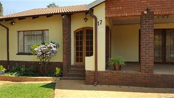 3 bedroom house with Flat