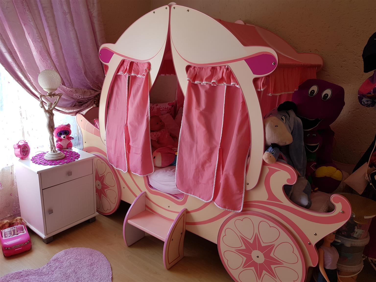 Girls Carriage bed