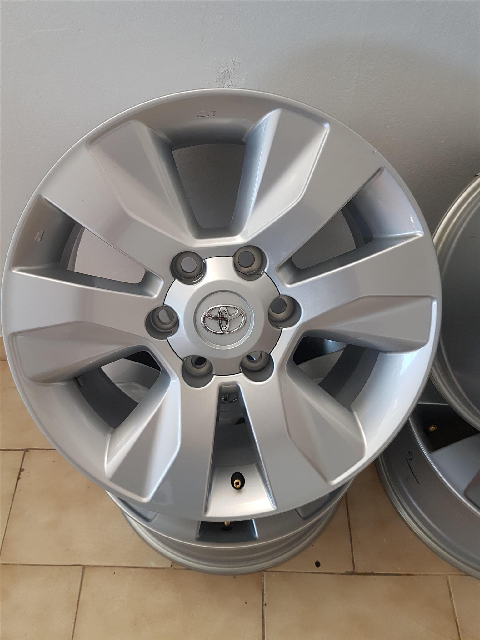 Toyota Hilux Rims 17 x9.0  INCH for Sale