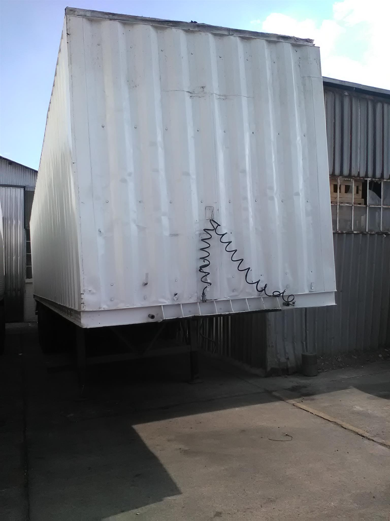 14m closed body trailer for sale