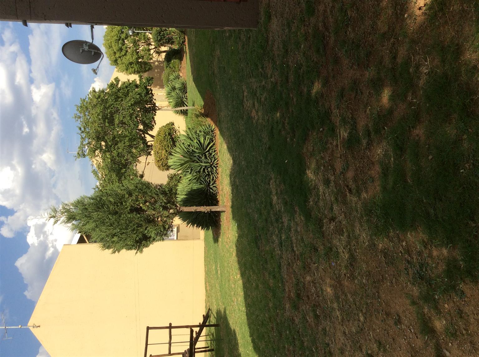 A cosy family starter 3Bed,1.5 bathroom, garden in Midrand Vorna Valley