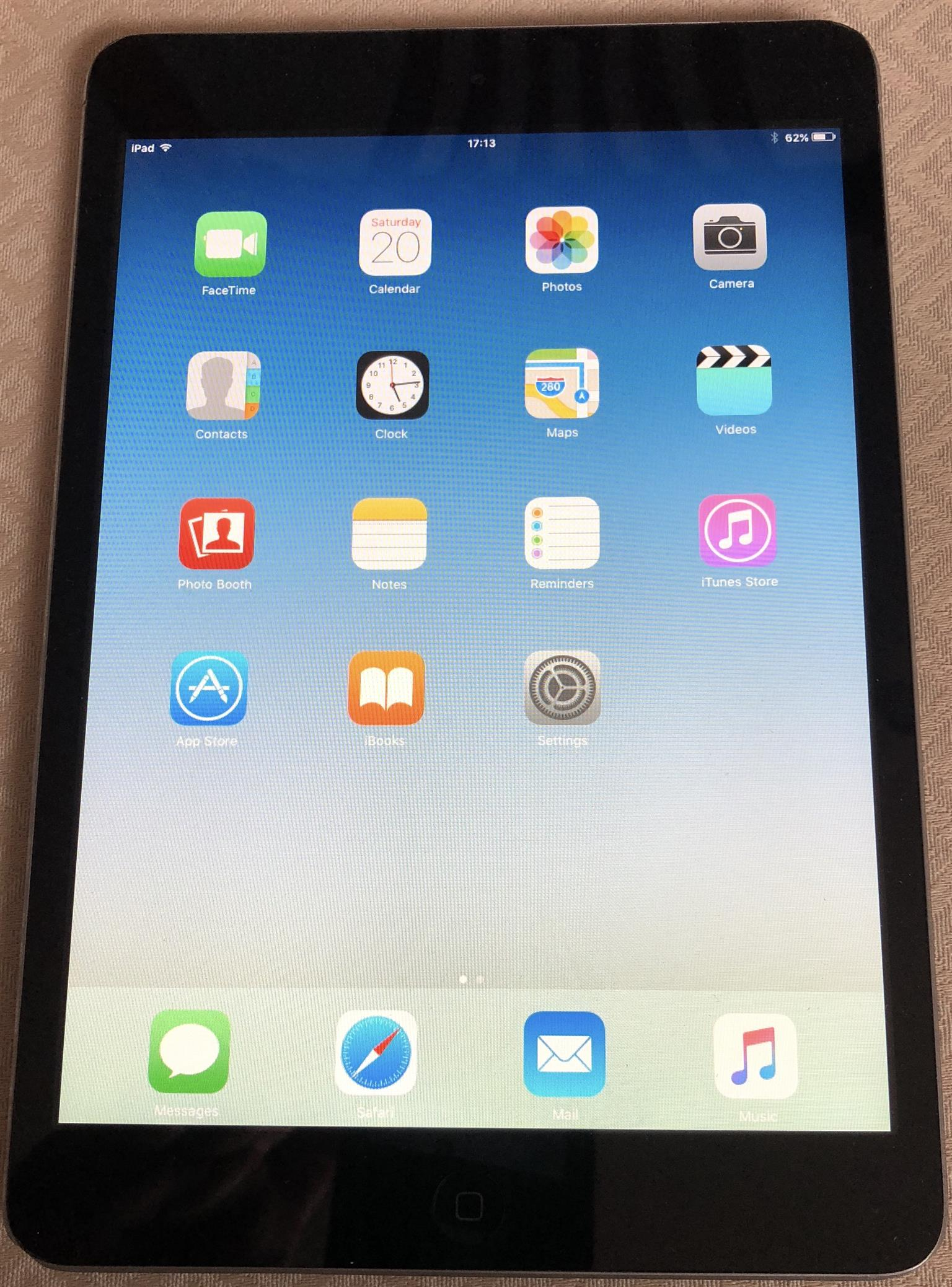 Ipad Mini 16gb Wifi Space Gray A1432 Mf432hc A In New Smart Cover Excellent Condition Junk Mail Apple Black
