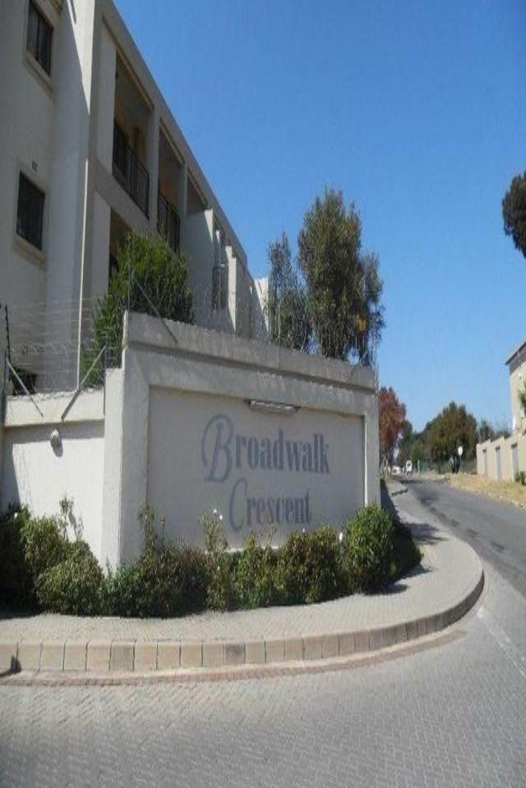 AVAILABLE 1ST FEBRUARY! 1Bed, 1Bath Apartment To Let In Broadwalk Crescent, Midrand!