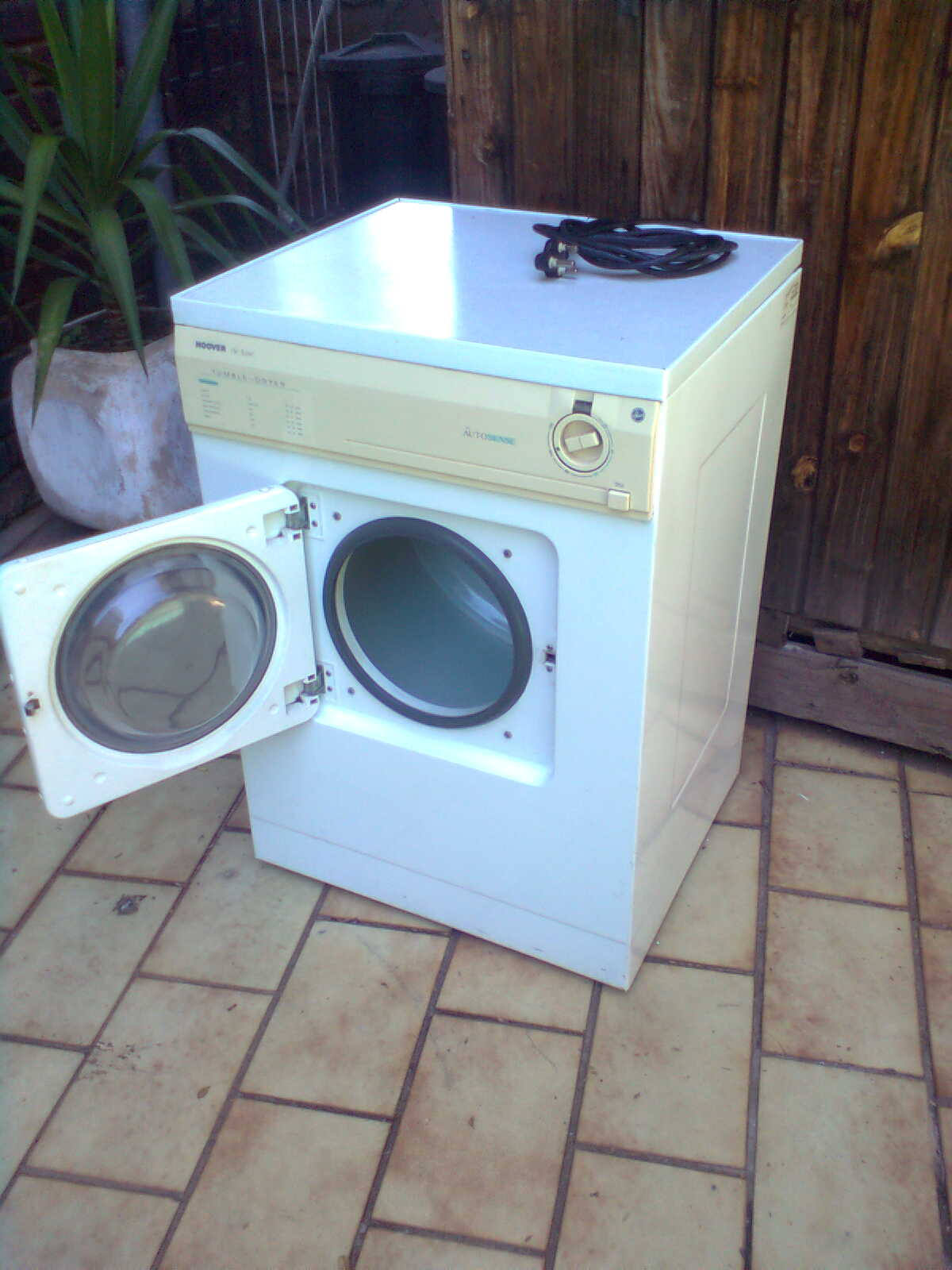 Tumble driers serviced and repaired.