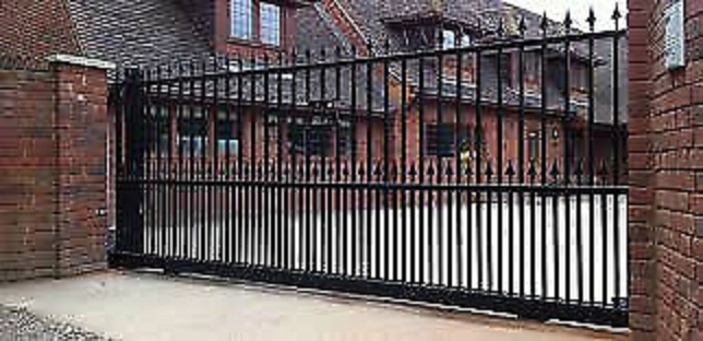 Security gates and palisade fencing services