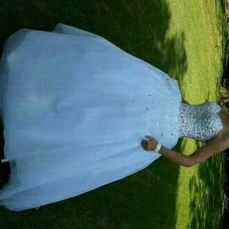 Wedding dress to hire size 8