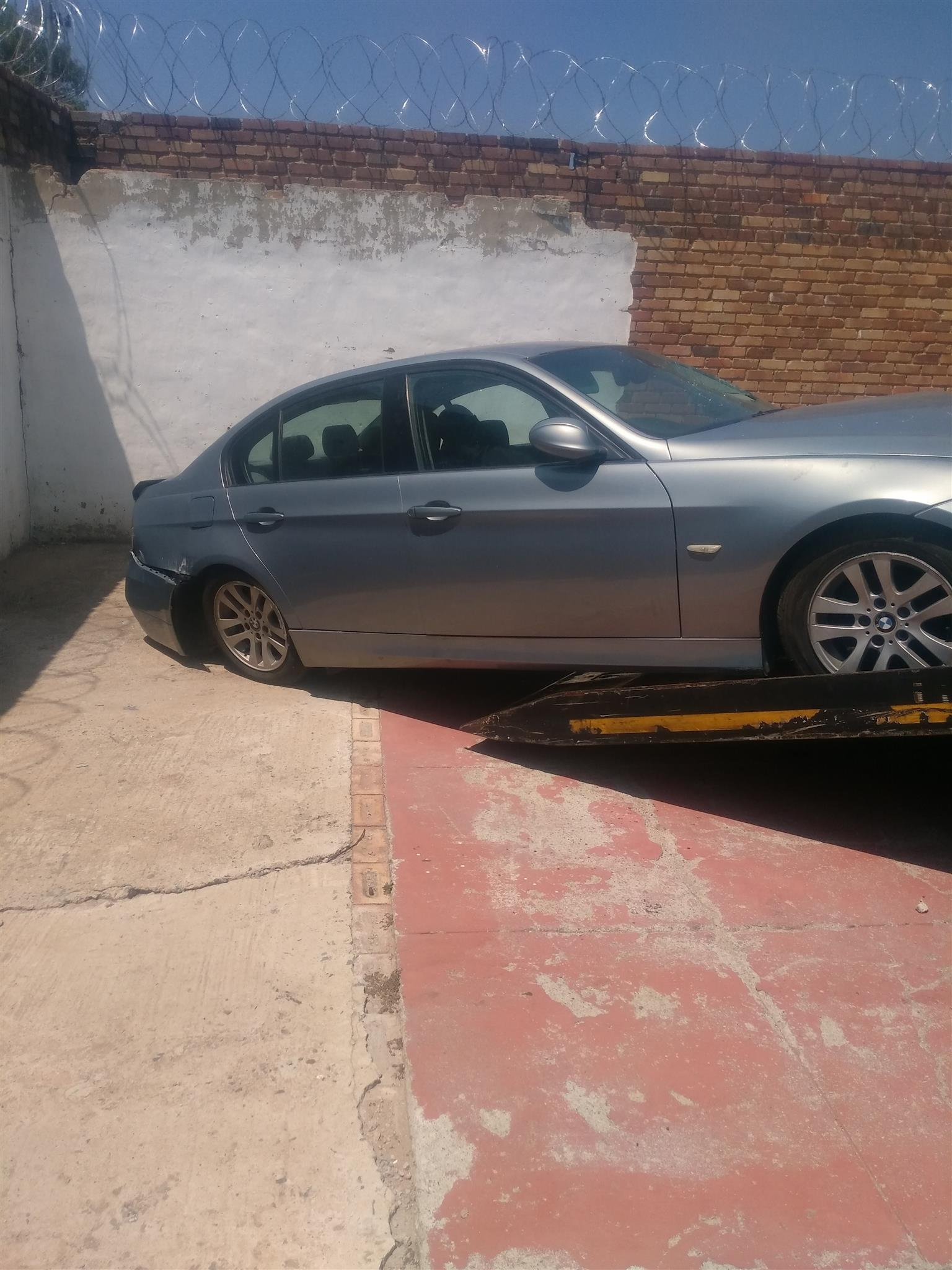 bmw e90 320i 2008 stripping for parts