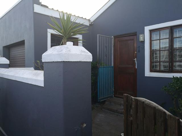 2 bedroom House for sale in Montague Village