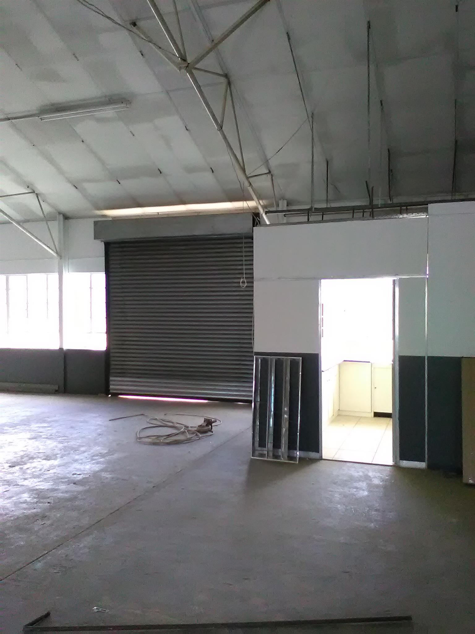 160m2 factory/warehouse to let in Boksburg