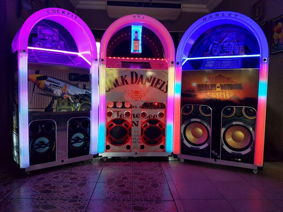Willister Retro Jukeboxes - with own choice of artwork