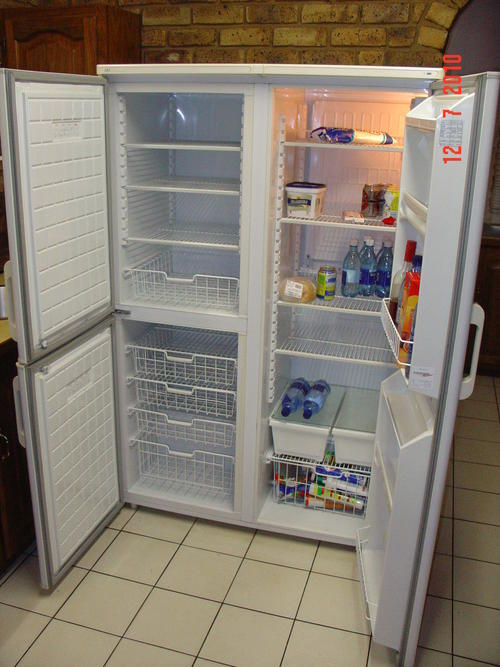 FRIDGE/FREEZER 730 LITRE