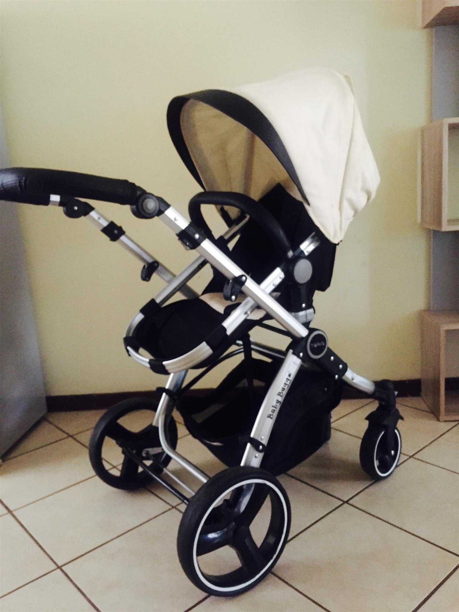 Secondhandused Babybuggz Triplicity 3in1 Travel System Junk Mail
