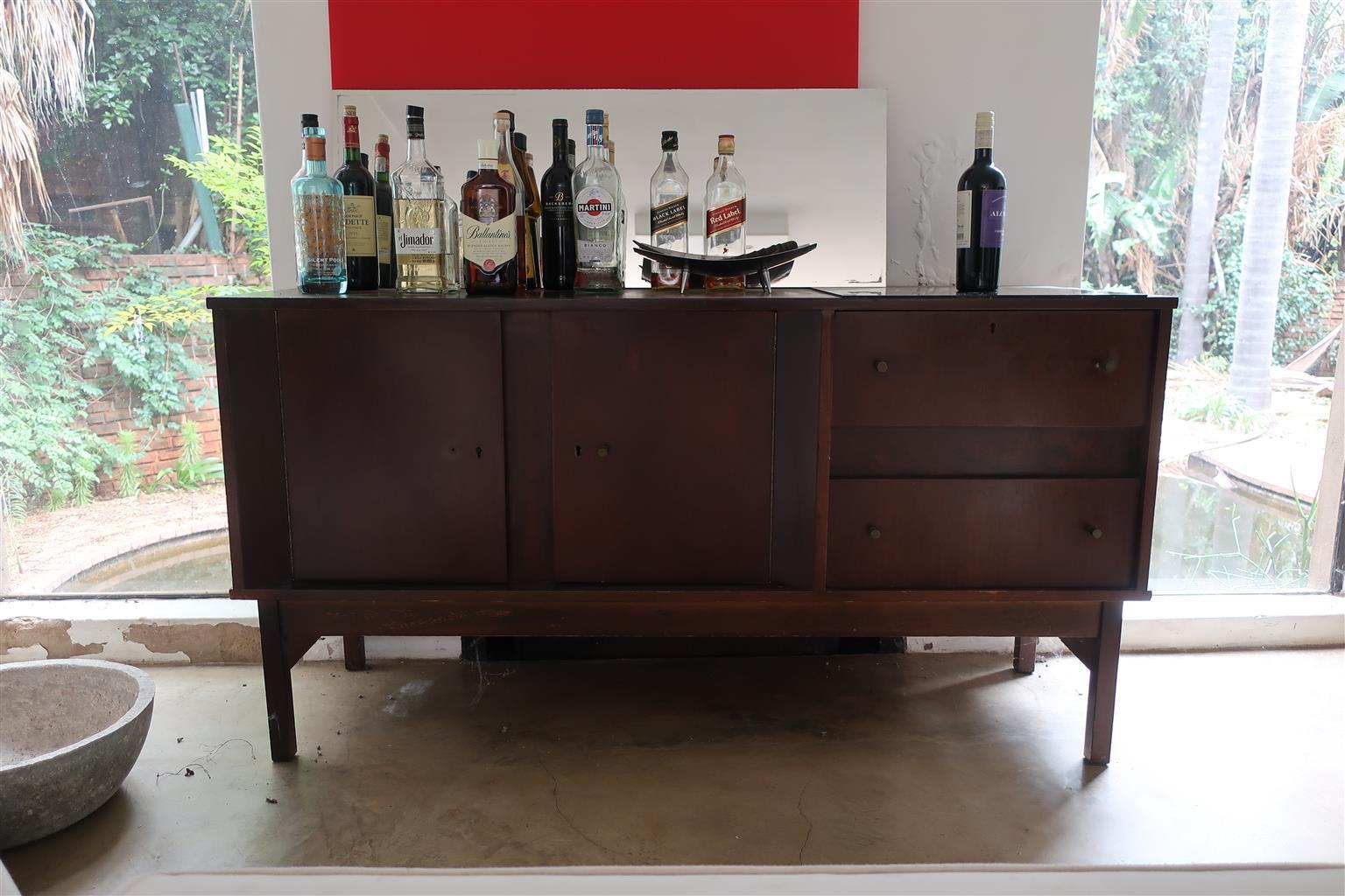 great dresser/cabinet classic