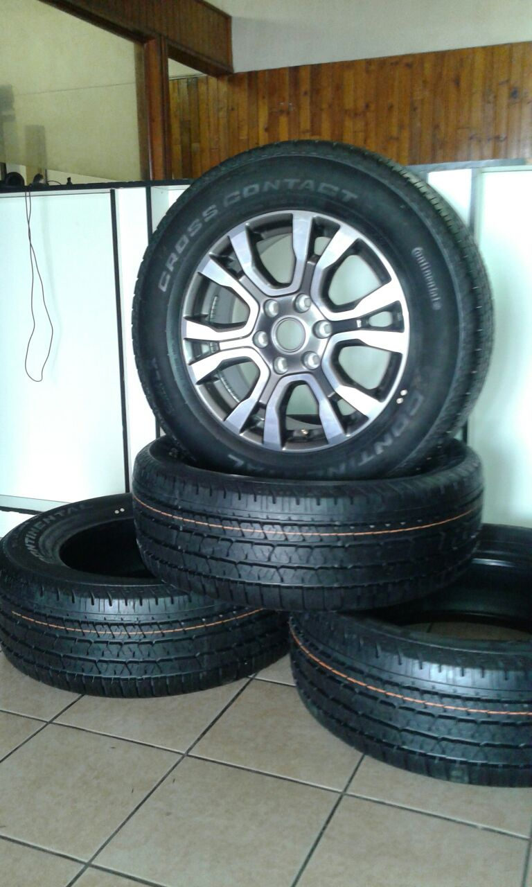 """New 2016 18"""" ford wild track 265/60/18 tyres and mags at affordable prices, prices include fitment."""