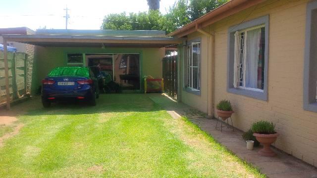 neat 3 Bedroom Garden flat for rent Uitsig Bloemfontein
