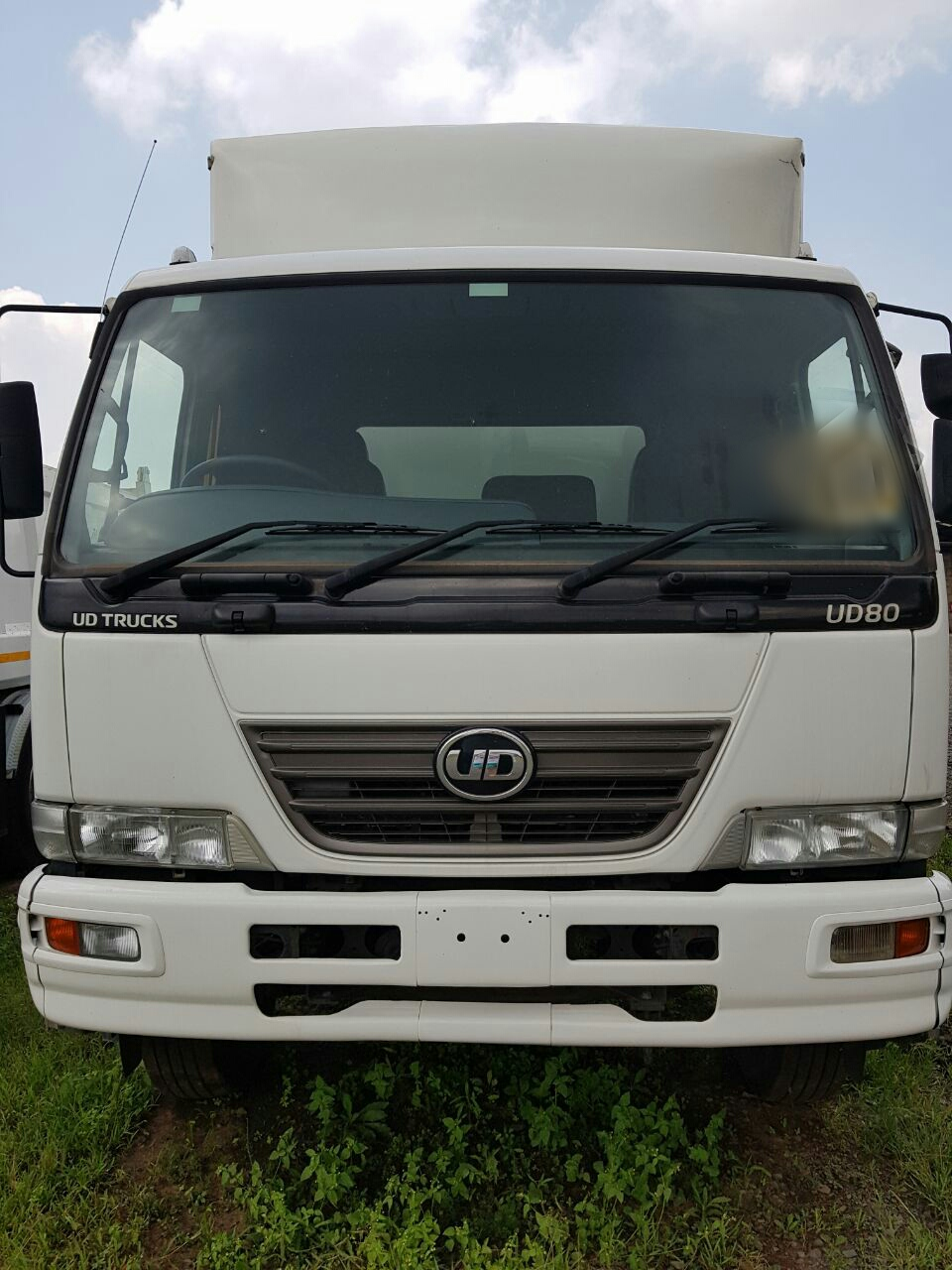 2014 Nissan UD80 closed body for sale
