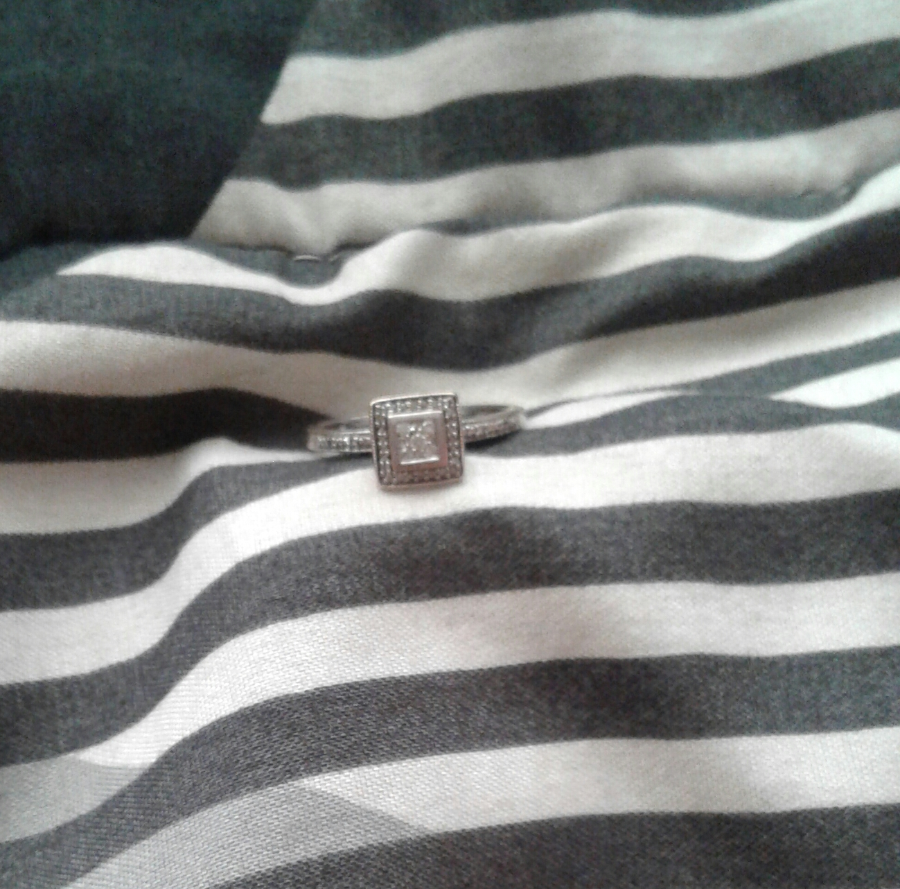 White Gold engagement ring for sale R7000