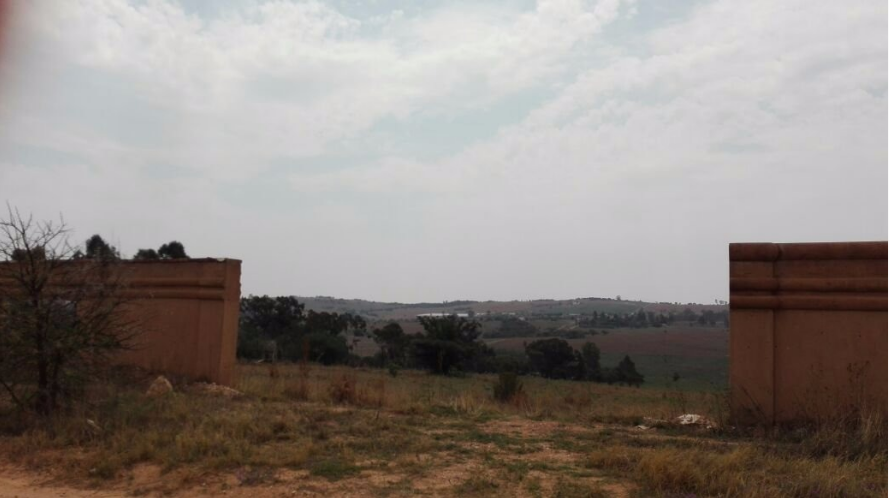 LOVELY PLOTS FOR SALE - CENTRALLY SITUATED WITH EXCELLENT VIEWS