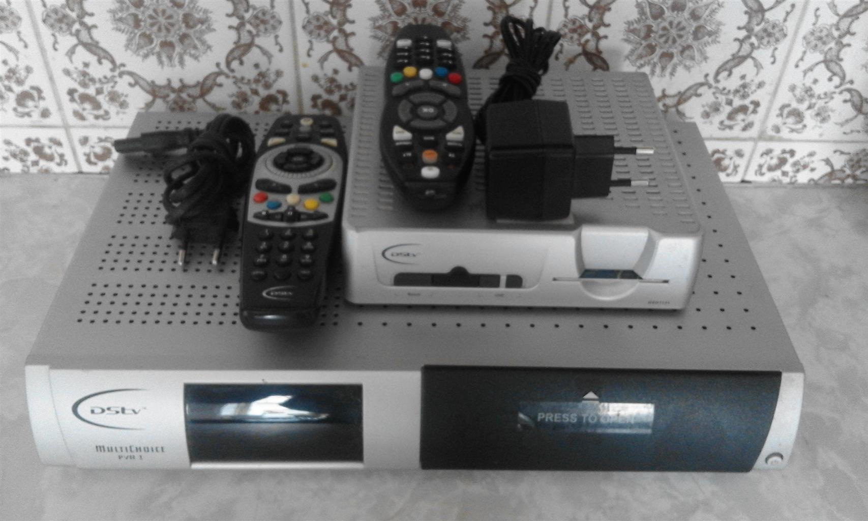 DSTV PVR Decoder able to view two different channel at the same time on two different Tv's on one subscription. Plus extra DSD1131 Decoder. Both can receive the free channels. R1000 for both.