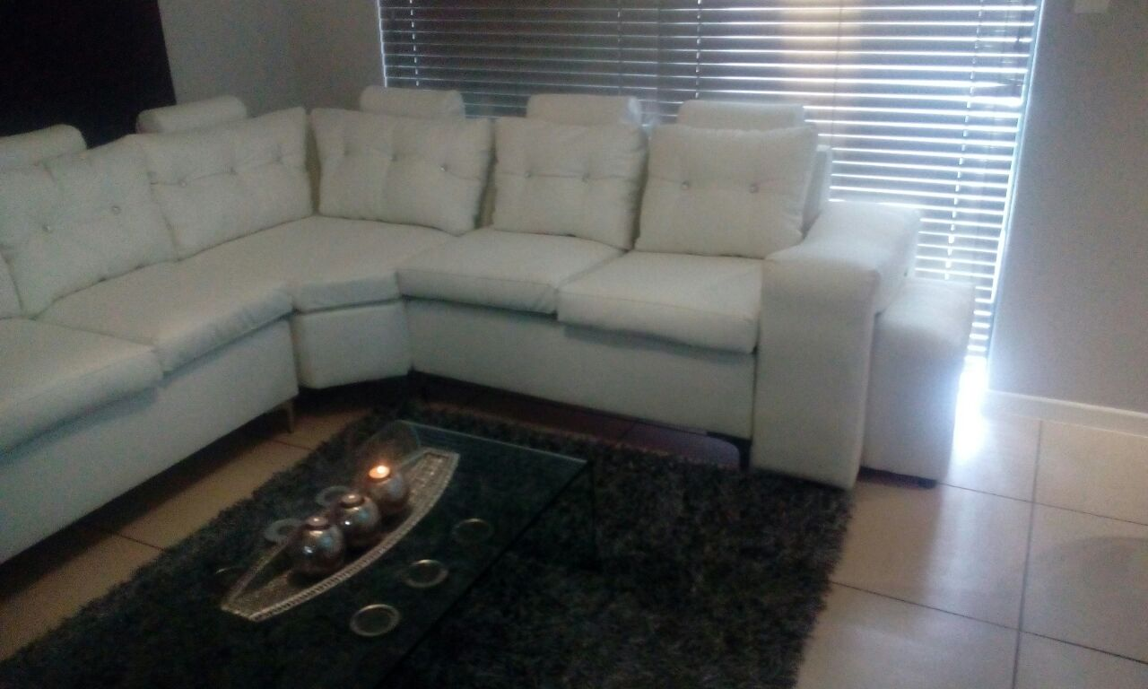 Stunning Contemporary White Bonded Leather Corner Lounge Suite R9900-00