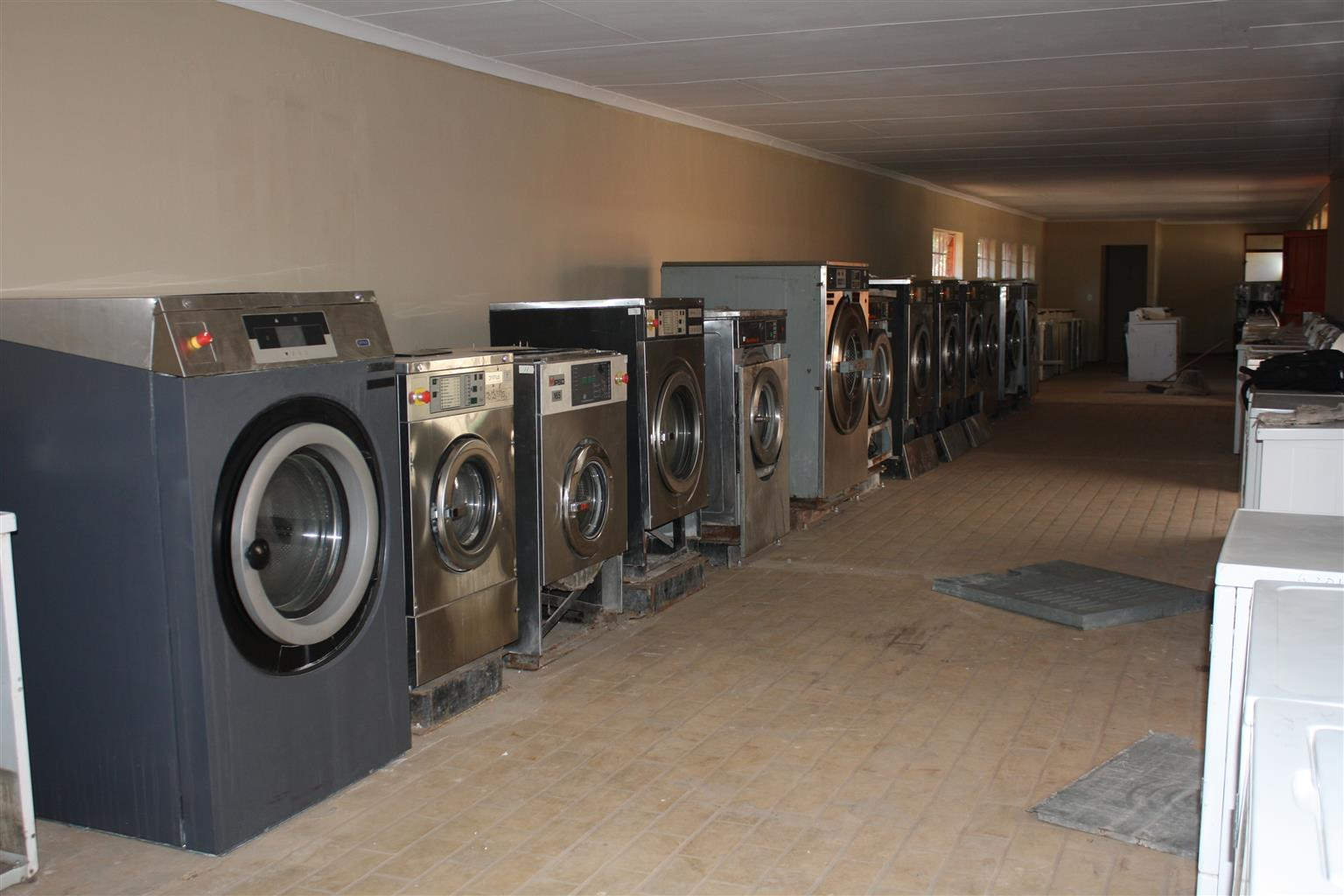 Commercial washing machine's, tumble dryer's, roller iron for sale