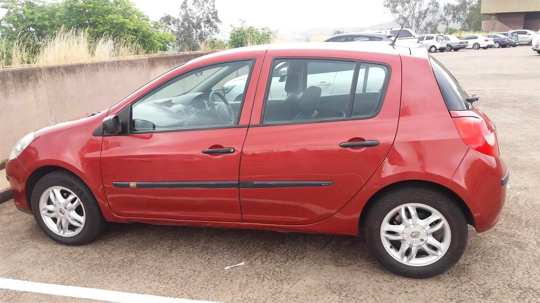 2009 renault clio 3 buy used second hand prices. Black Bedroom Furniture Sets. Home Design Ideas