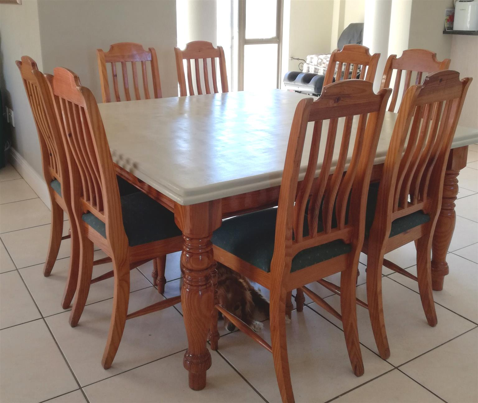 Oregan Dining Table And Chairs