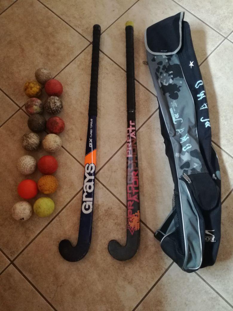2 x Hockey Sticks (including bag and 15 balls)