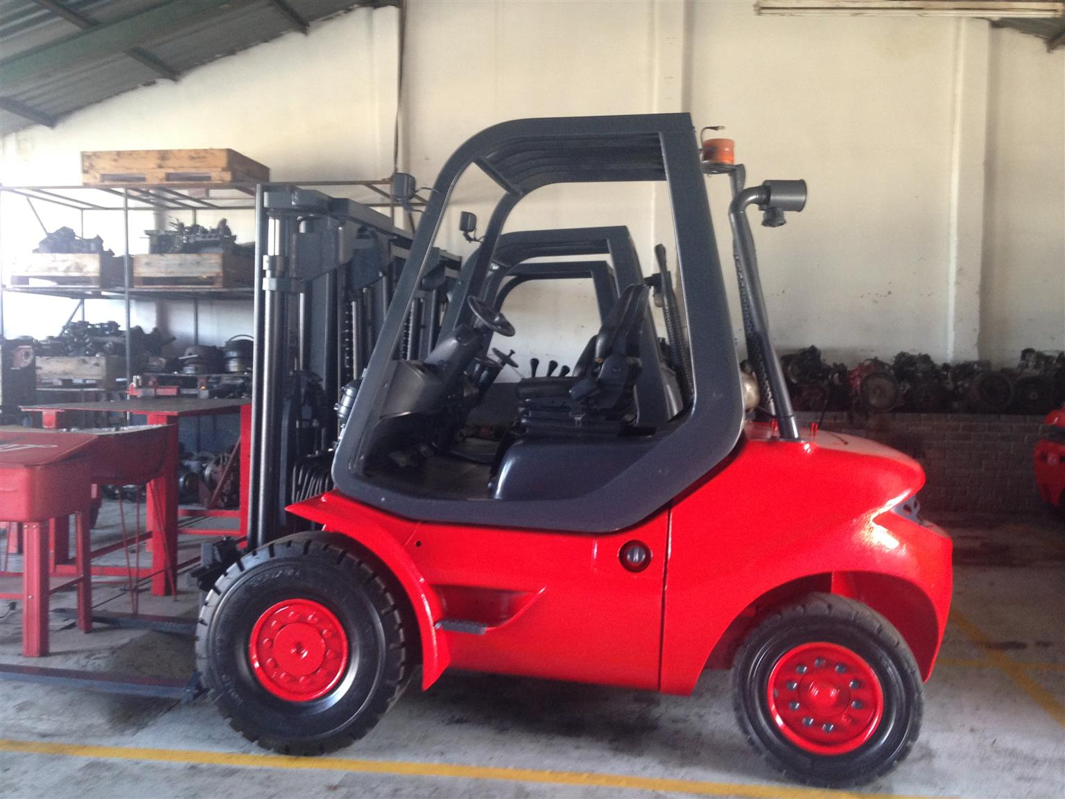 GOOD CONDITION 4 TON LINDE FORKLIFT FOR SALE