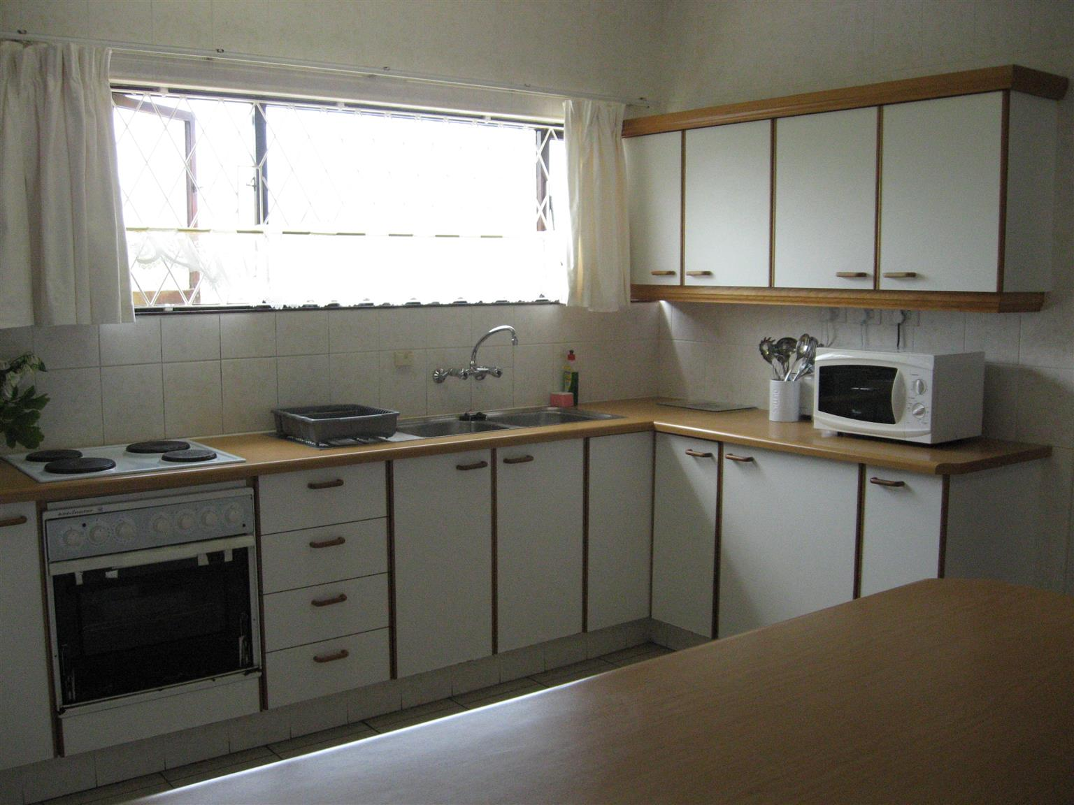 A BETTER INVESTMENT THAN MONEY IN THE BANK - ENTIRE TRIPLE STOREY BLOCK OF FLATS FOR SALE ST MICHAELS-ON-SEA R2,550,000
