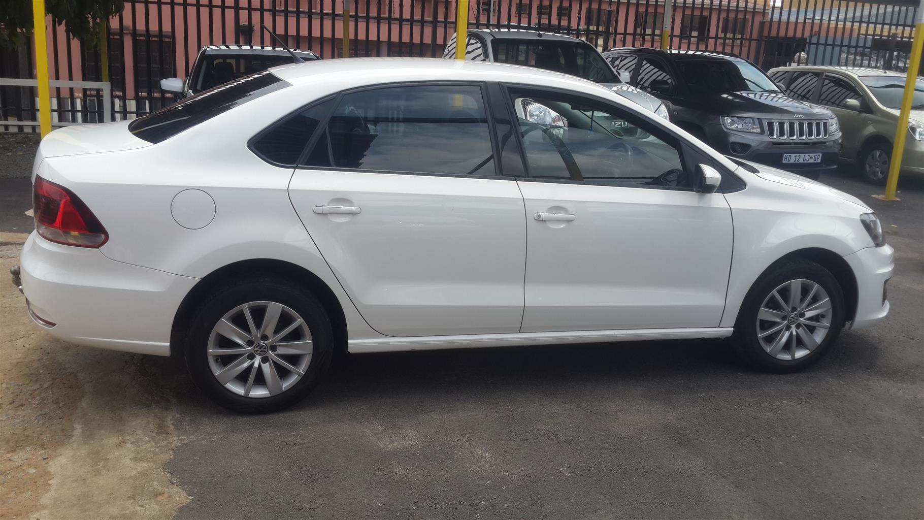2016 VW Polo sedan 1.4 Comfortline | Junk Mail