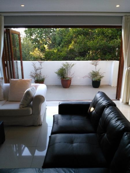 Tranquil Garden Apartment with secure parking