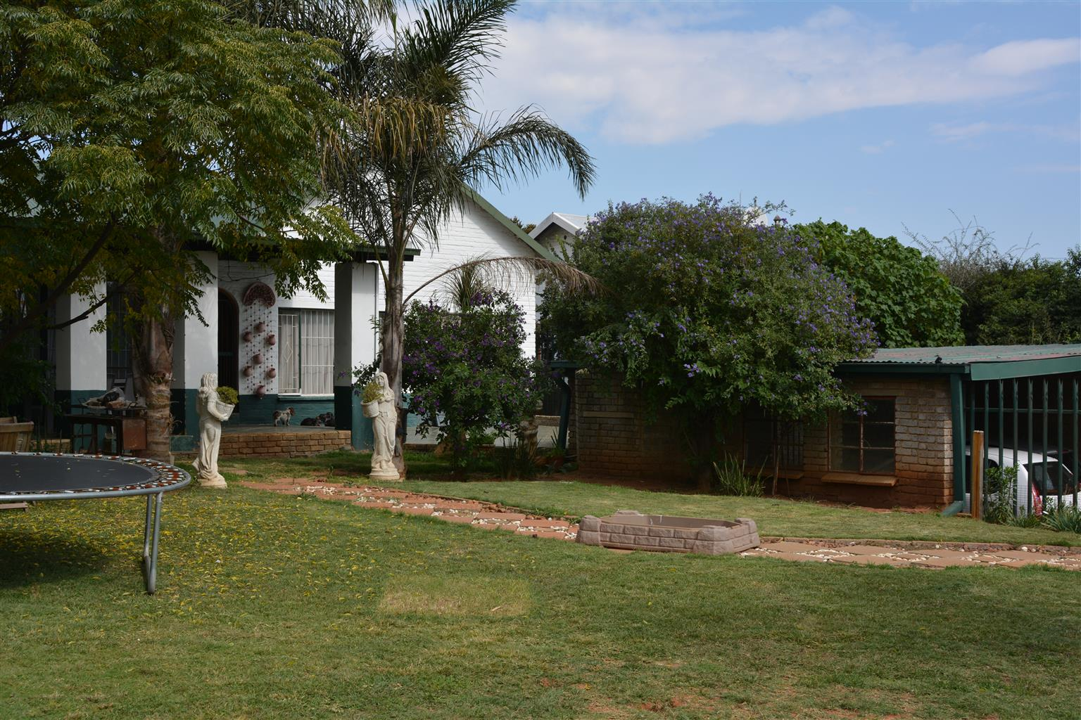House to Rent with Flatlet or Additional Rooms - Wentworthpark, Krugersdorp