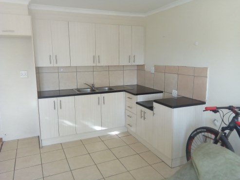 MIDRAND 1 and 2 bedroom cottages to let