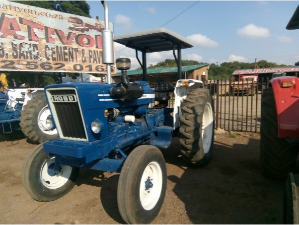 S2827 Blue Ford 6600 54kW/73Hp 2x4 Pre-Owned Tractor