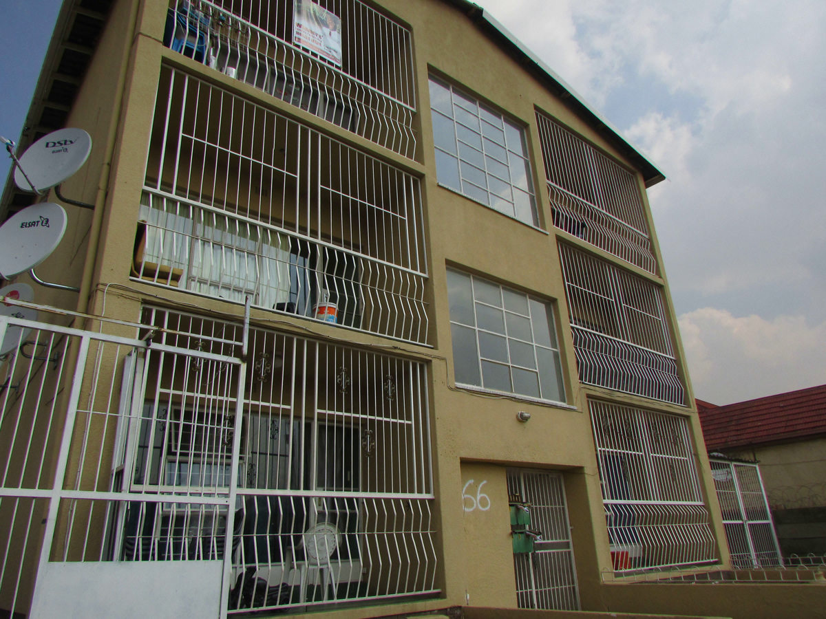 BLOCK OF FLATS IN TURFFONTEIN