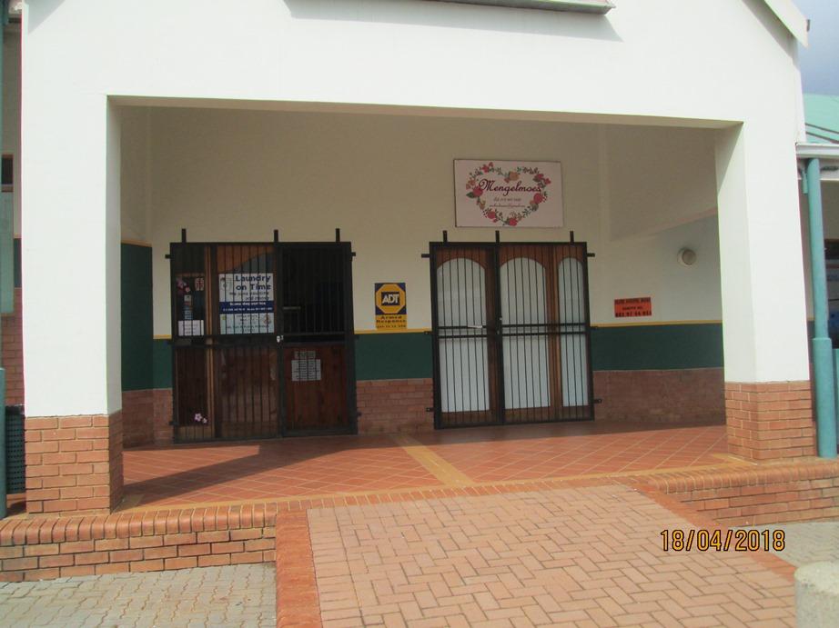 Shop to let Braam Pretorius Street