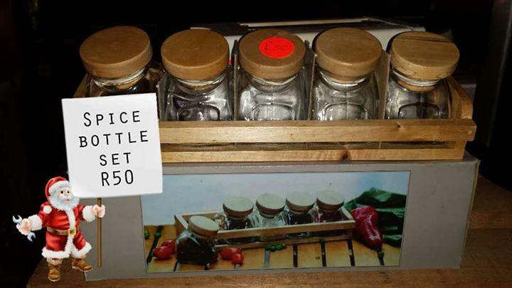 Spice bottle set
