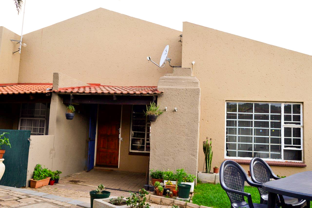 Neat two bedroom townhouse in Meyersdal