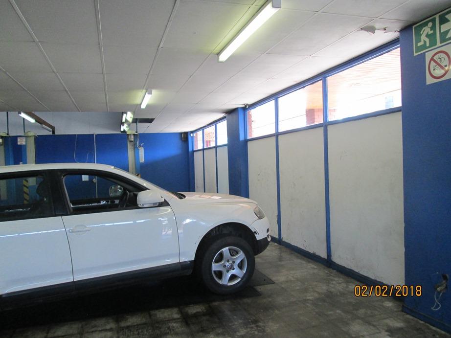 Shop to Let, car trade, entrance on street, access inside shop ...