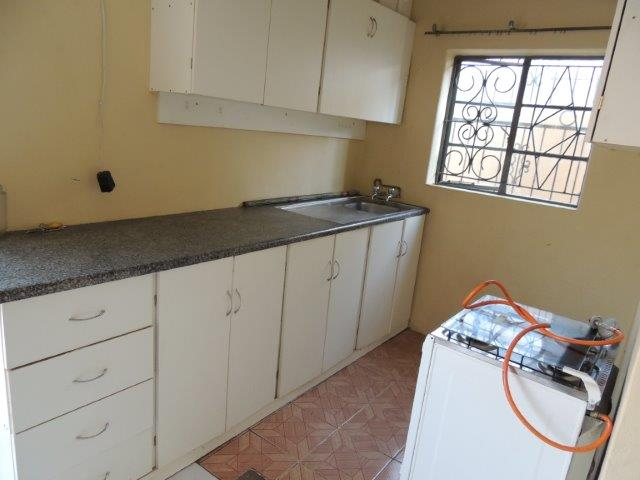 2 Bedroom Garden flat on Shared property  in Capital Park