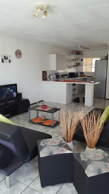 Flat for Sale - Florida Lake, Roodepoort, Johannesburg