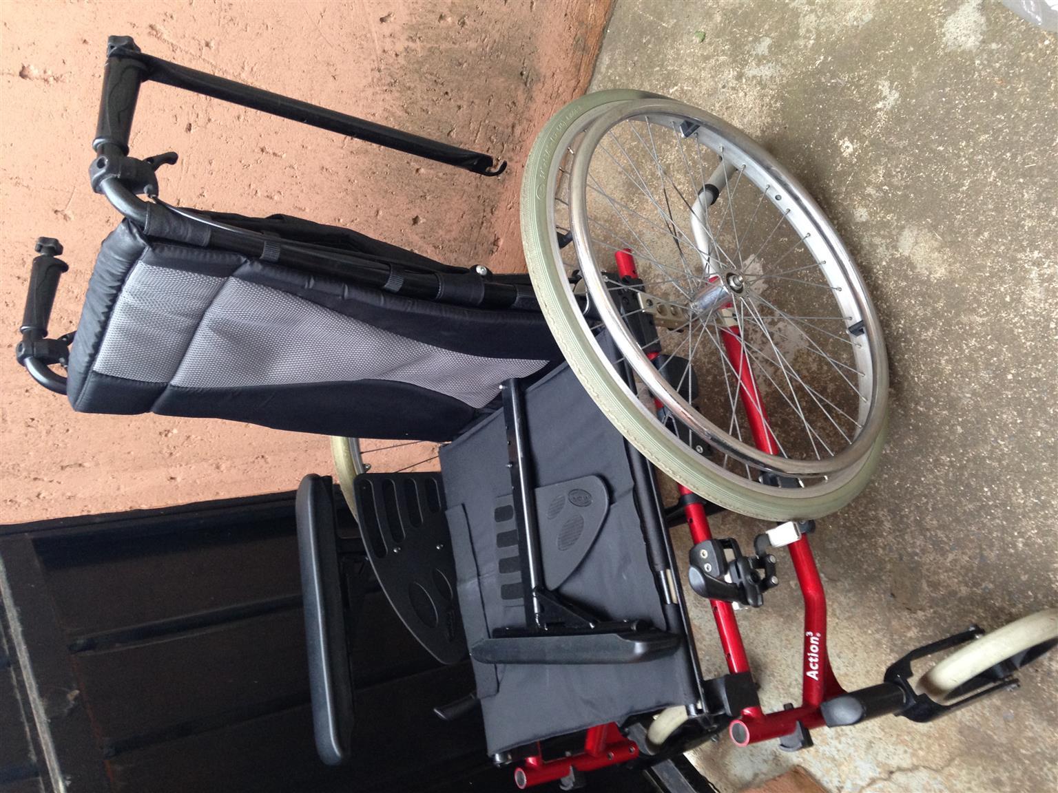 Recliner Invacare Wheelchair