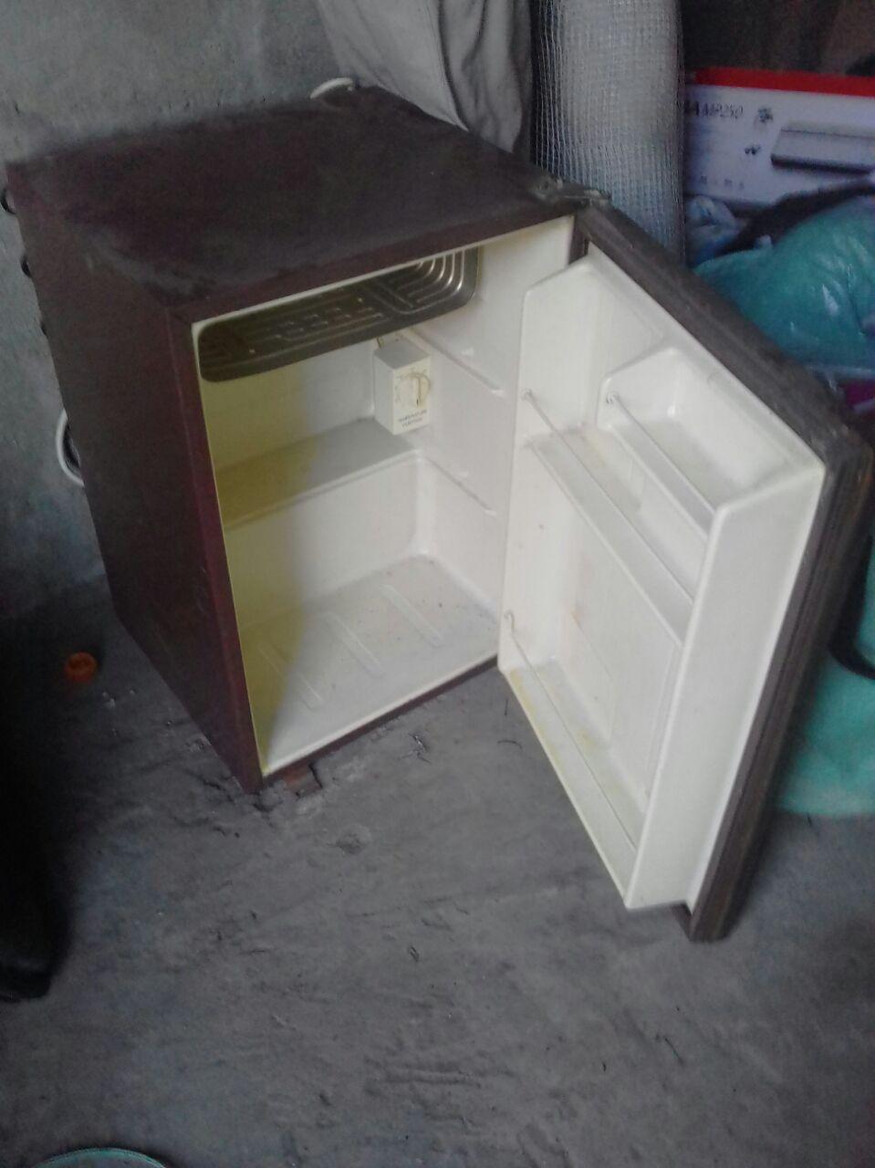 Bar fridge R500 needs regas