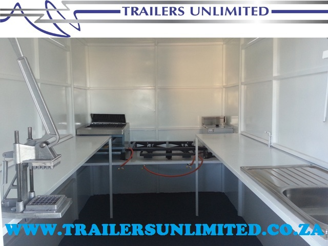 TRAILERS UNLIMITED TOP QUALITY EQUIPMENT.