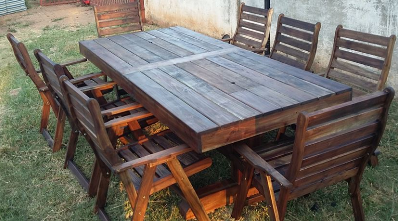 Solid Dining table with 8 slatted chairs