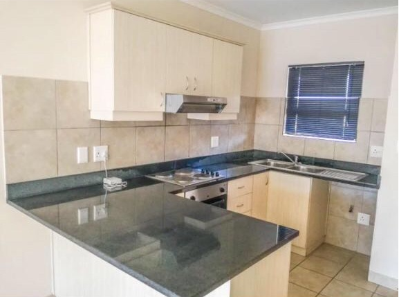 2 Bedroom Apartment / Flat to Let in Burgundy Estate