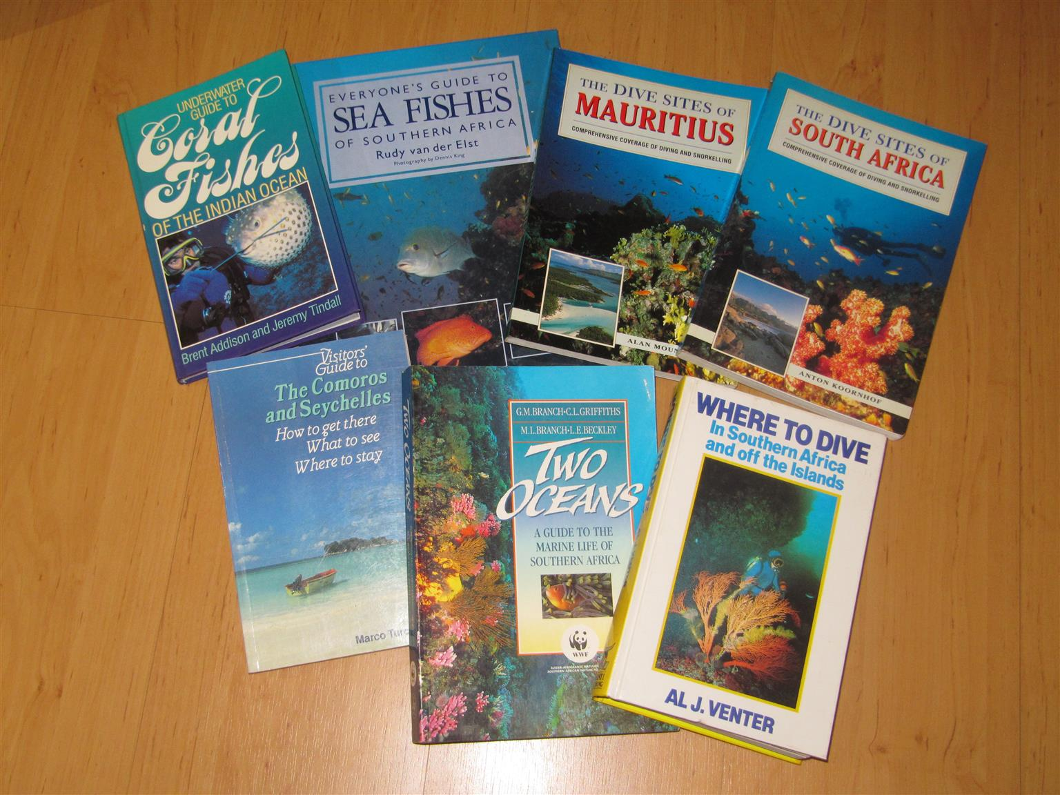 7 books of Sea Fishes and Diving sites in Excellent conditions