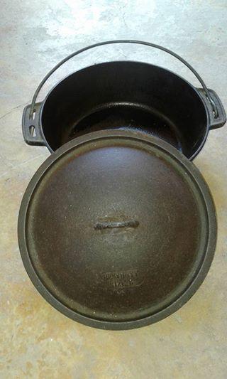 Flat bottom pot for stew.