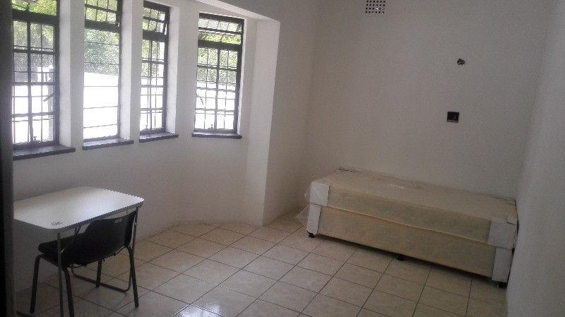 accommodation for TUT. BOSTON COLLEGE. U.P.ROSEBANK college and UNISA